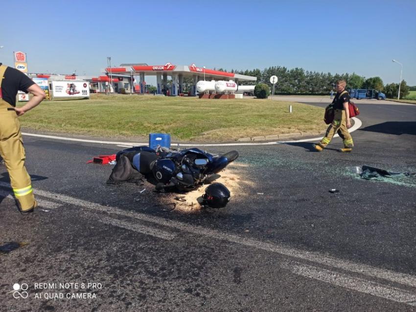 Wypadek motocykla i busa na DK94 w Żarskiej Wsi / fot. KPP Zgorzelec