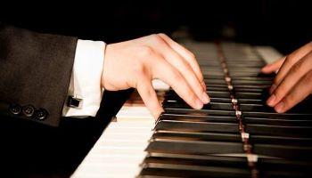 W niedzielę, 6 września, pierwszy hybrydowy koncert z utworami Chopina i Beethovena