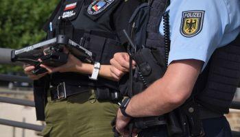 Funkcjonariusze ze Wspólnej Polsko-Niemieckiej Placówki w Ludwigsdorfie / fot. NOSG