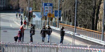 Gigantyczne korki na granicy w Jędrzychowicach. Odstać trzeba nawet kilka godzin - zdjęcie nr 3