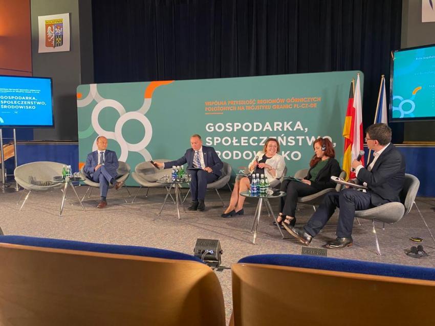 """Debata: """"Wspólna przyszłość regionów górniczych położonych w trójstyku granic PL-CZ-DE. Gospodarka, Społeczeństwo, Środowisko"""""""