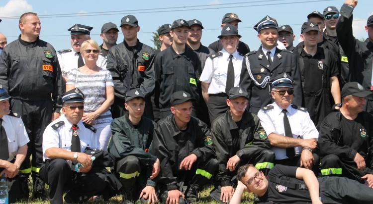 Gminne zawody sportowo-pożarnicze w Radomierzycach - zdjęcie nr 111