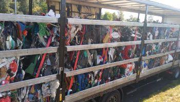 Naczepa z wymieszanymi odpadami / fot. NOSG