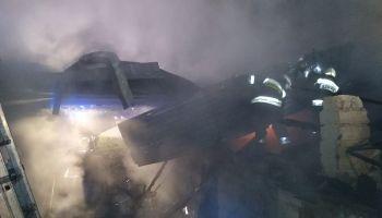 Pożar budynku gospodarczego w Studniskach Dolnych / fot. OSP Studniska Dolne