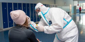 Nauczyciele w Bogatyni testowani na obecność SARS-CoV-2 - zdjęcie nr 4