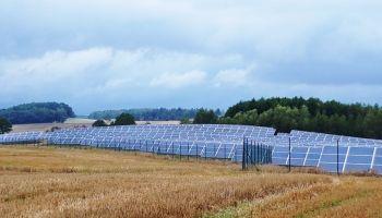 Farma fotowoltaiczna w Sławnikowicach w gminie Zgorzelec / fot. WFOSiGW
