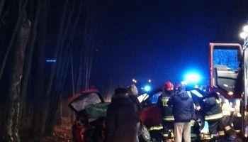 Wypadek pomiędzy Czerwoną Wodą a Węglińcem / fot. facebook OSP Czerwona Woda