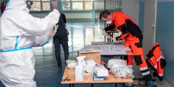 Nauczyciele w Bogatyni testowani na obecność SARS-CoV-2 - zdjęcie nr 3