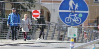 Gigantyczne korki na granicy w Jędrzychowicach. Odstać trzeba nawet kilka godzin - zdjęcie nr 9