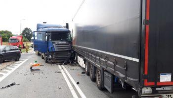 Zderzenie osobówki i dwóch ciężarówek w Jędrzychowicach / fot. KPP Zgorzelec