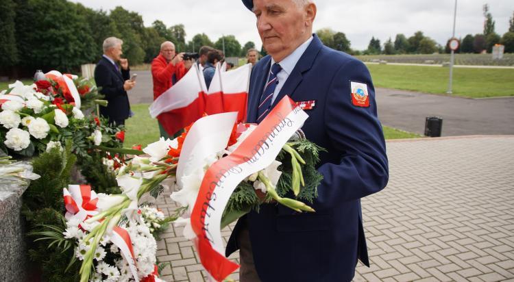 Zgorzelec oddał hołd bohaterom II Wojny Światowej - zdjęcie nr 16