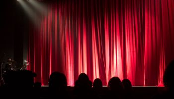 Teatr / zdjęcie ilustracyjne / fot. Monica Silvestre / pexels.com