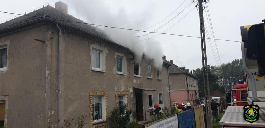 Pożar budynku wielorodzinnego w Bogatyni / fot. OSP KSRG Sieniawka