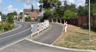 Zakończyła się budowa chodnika w Jędrzychowicach - zdjęcie nr 10