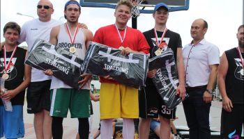 W wielkim finale drużyna Wyjadaczy po zaciętym pojedynku pokonała zespół A-Team i zdobyła na rok Mistrzostwo Zgorzelca.
