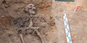 Ekshumacja szczątków niemieckiego żołnierza w Zawidowie (fot. Jerzy Stankiewicz) - zdjęcie nr 5