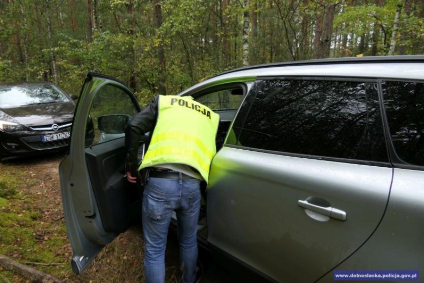 Zatrzymanie pojazdu w ramach pokazowego pościgu transgranicznego / fot. KWP Wrocław