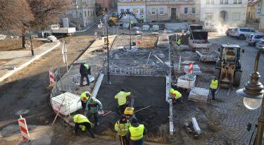 Przebudowa rynku w Zawidowie. Zobacz, jak przebiegają prace! - zdjęcie nr 9
