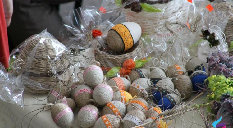 Wielkanocny Jarmark Rękodzieła w Jerzmankach - zdjęcie nr 42