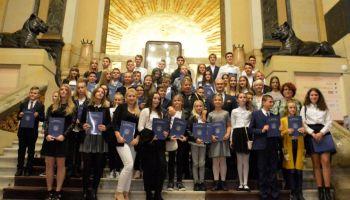 Nagrodzeni i wyróżnieni uczniowie Szkoły Podstawowej nr 5 w Zgorzelcu