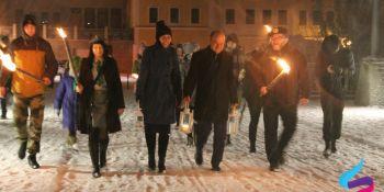 Harcerze przekazali Betlejemskie Światło Pokoju - zdjęcie nr 1