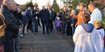 Mieszkańcy Radzimowa Górnego uroczyście otworzyli drogę - zdjęcie nr 12