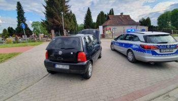 Policyjny radiowóz i samochód / fot. KPP Zgorzelec
