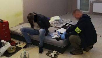 Uderzenie w zorganizowaną grupę zajmującą się przerzutem cudzoziemców / fot. CBŚP