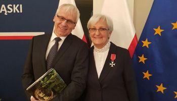 Krzyż Kawalerski Orderu Odrodzenia Polski dla bogatynianki Emilii Kurzątkowskiej / fot. TPD