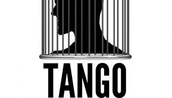 """Spektakl """"Tango"""" S. Mrożka w Zgorzelcu"""