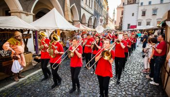 W Görlitz nie odbędzie się tradycyjna impreza, którą oficjalnie otwierali na moście Staromiejskim burmistrzowie / fot. J. Purej