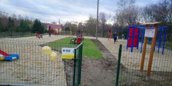 Plenerowe miejsce spotkań oficjalne przekazane mieszkańcom Starego Zawidowa - zdjęcie nr 3