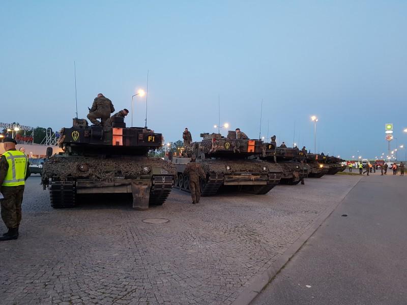 Postój kolumn wojskowych na MOP Żarska Wieś Południe przy autostradzie A4 / fot. GDDKiA - M. Grzegorczyk, M. Szumiata, M. Ostrowski