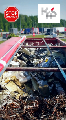 Otwarta ciężarówka z ładunkiem / fot. KAS