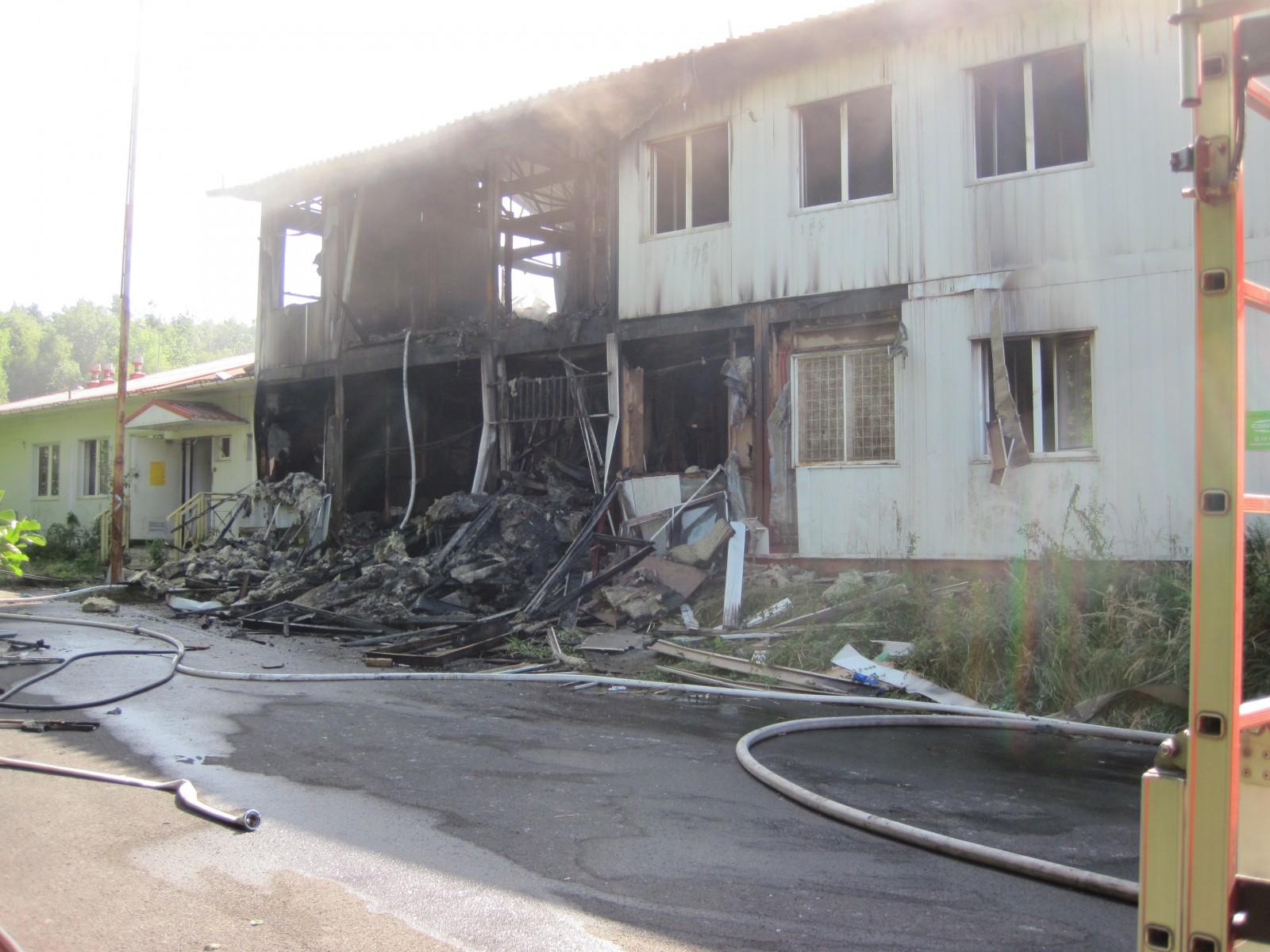 Pożar budynku po byłej placówce Straży Granicznej w Bogatyni / fot. mł.asp.Wojciech Piechowicz / KP PSP Zgorzelec